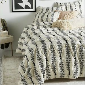 Anthropologie  Embroidered Lilou Quilt & 2 Sham